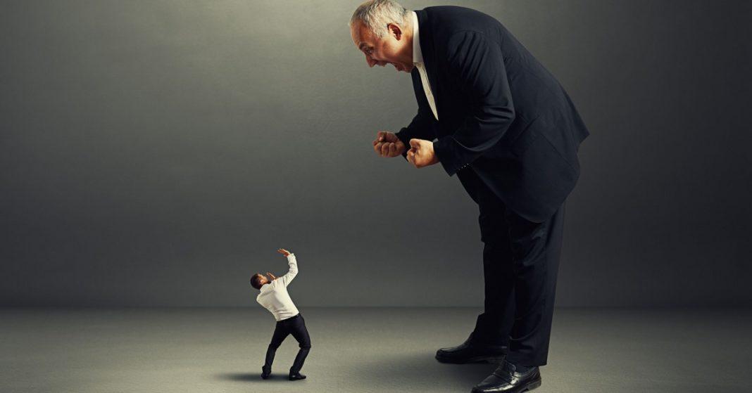 Três sinais de que você é a pessoa tóxica no seu ambiente de trabalho